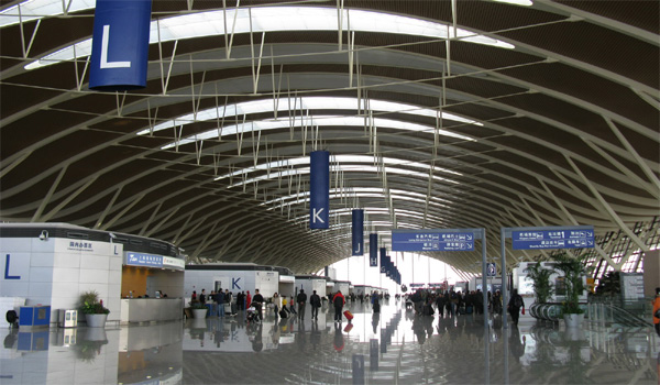 iPhone6を大量密輸の疑い 上海の空港で日本人ら拘束