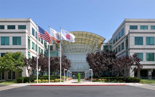 Apple、第1四半期の記録的業績を発表。サムスンは減益を報告