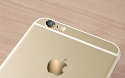 iPhone6s Plusのディスプレイリーク写真が公開される。Force Touchコンポーネントの存在も確認