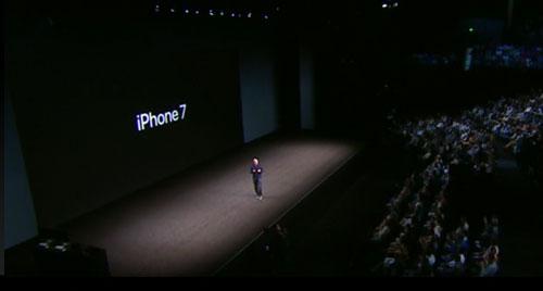 新型iPhone7登場