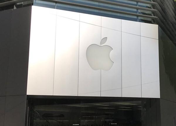 各地Apple StoreにiPhone Xの当日店頭販売分を求めて行列始まる