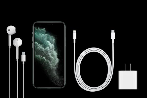 iPhone 11 Proの同梱品