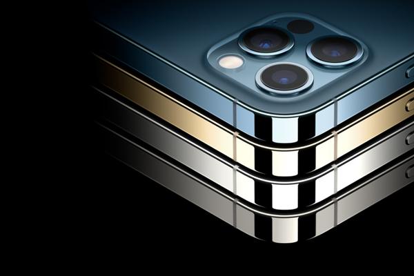 iPhone 12 Proのカラーはシルバー、グラファイト、ゴールド、パシフィックブルーの4色展開